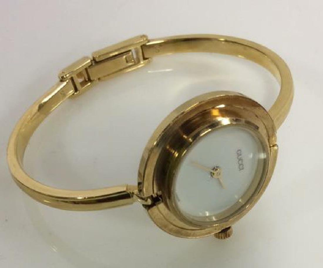 GUCCI Designer Ladies Wristwatch w Box and Bevels - 7