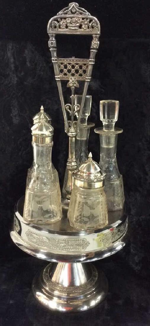WILCOX SILVER PLATE CO SilverPlate&Glass Cruet Set
