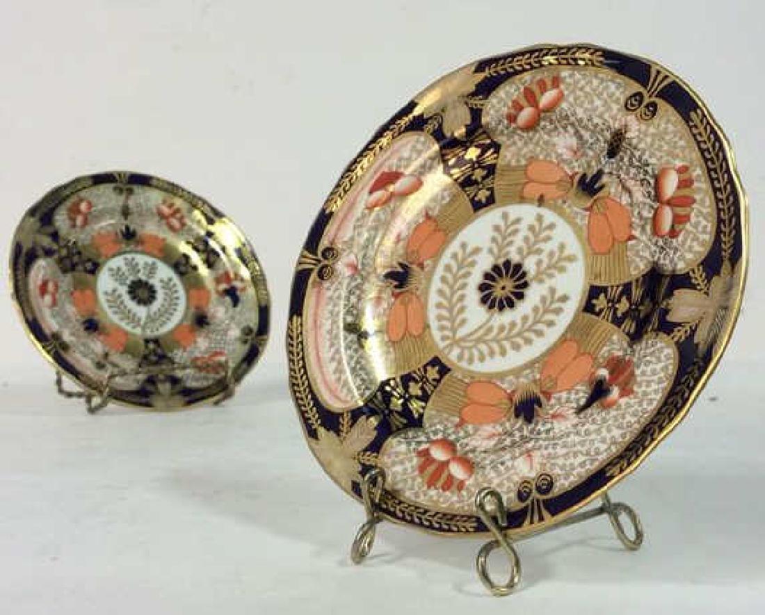 Pair ROYAL CROWN DERBY ENGLAND Plates - 10