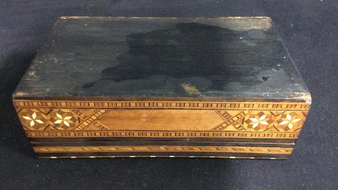 Vintage Inlaid Mechanical Wood Cigarette box - 8
