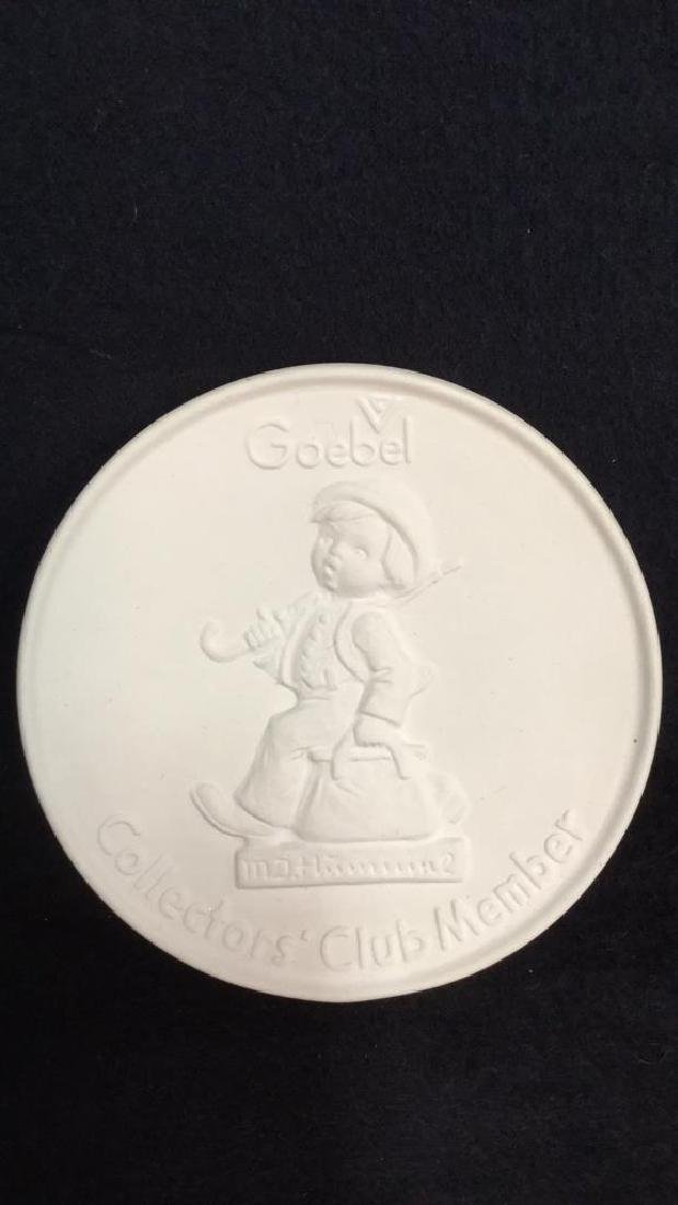 Lot 3 Goebel Hummel Collectible Plaques - 7