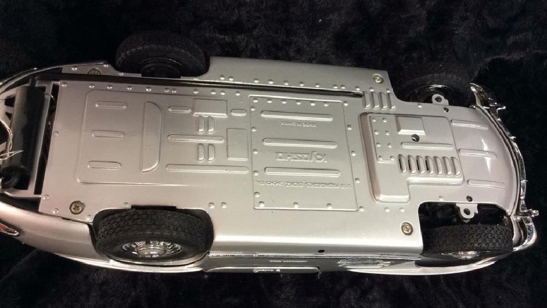 1/18 MERCEDES BENZ 300SL KYOSHO Model Car - 8