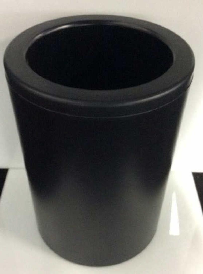 CADDYO Black Toned Cylindrical Wine Holder - 2