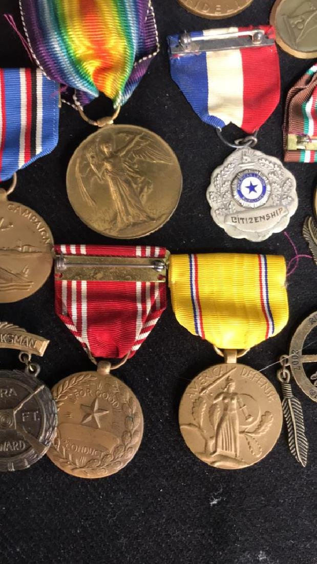 Group Lot 17 Military Medals, Antique and Vintage - 4