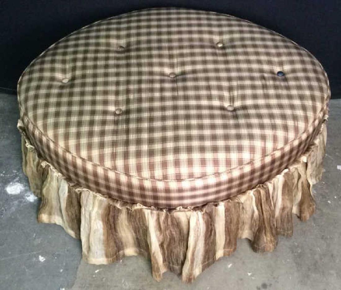 CARR & COMPANY Tufted Oval Shaped Ottoman - 3