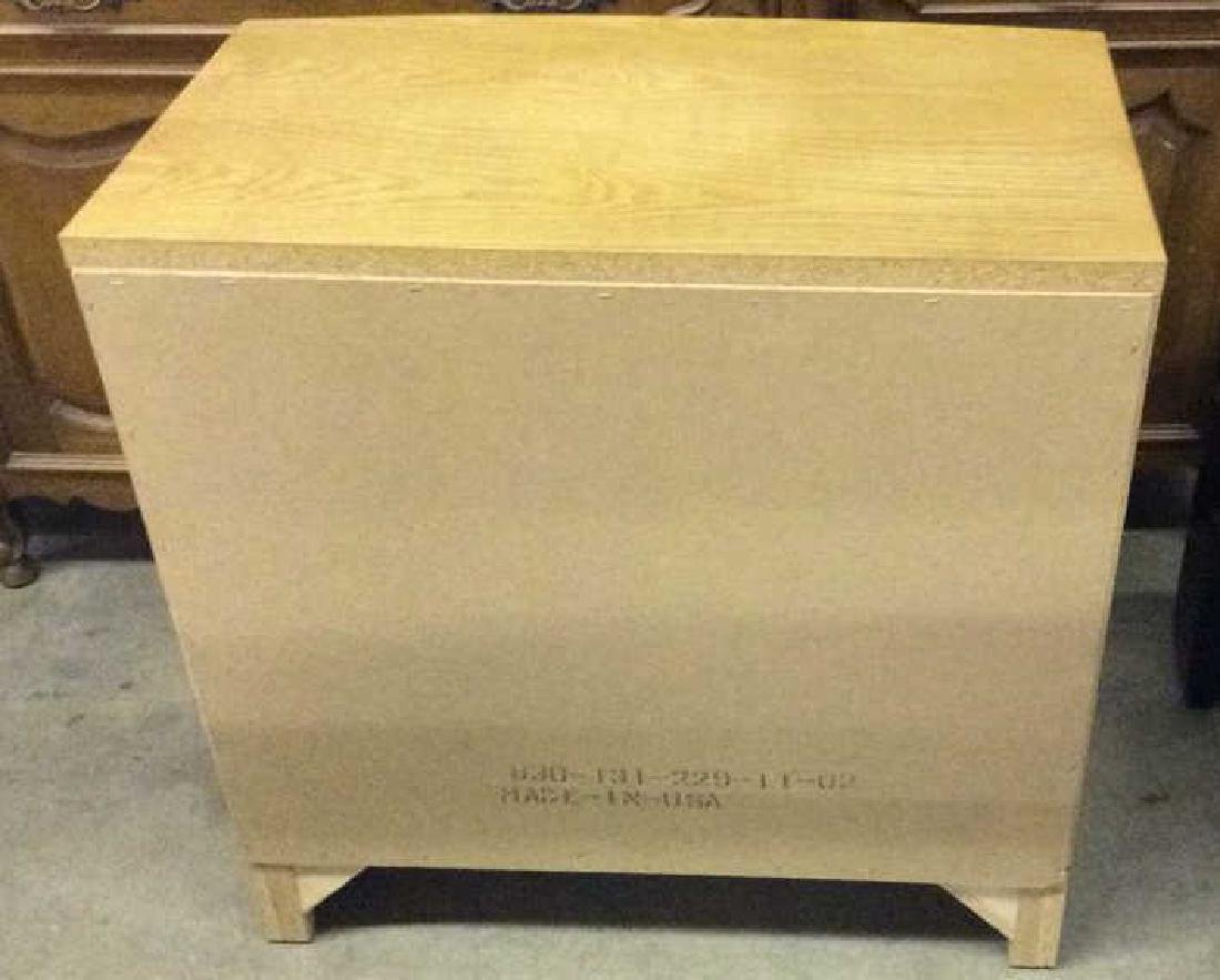 THE GRANT HILL COLLECTION Wooden Chest - 5