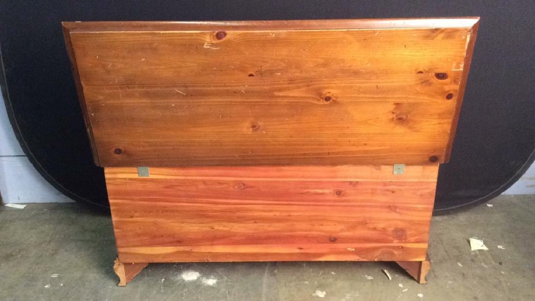 LANE ALTAVISTA VIRGINIA Wooden Chest, Cedar Lined - 7