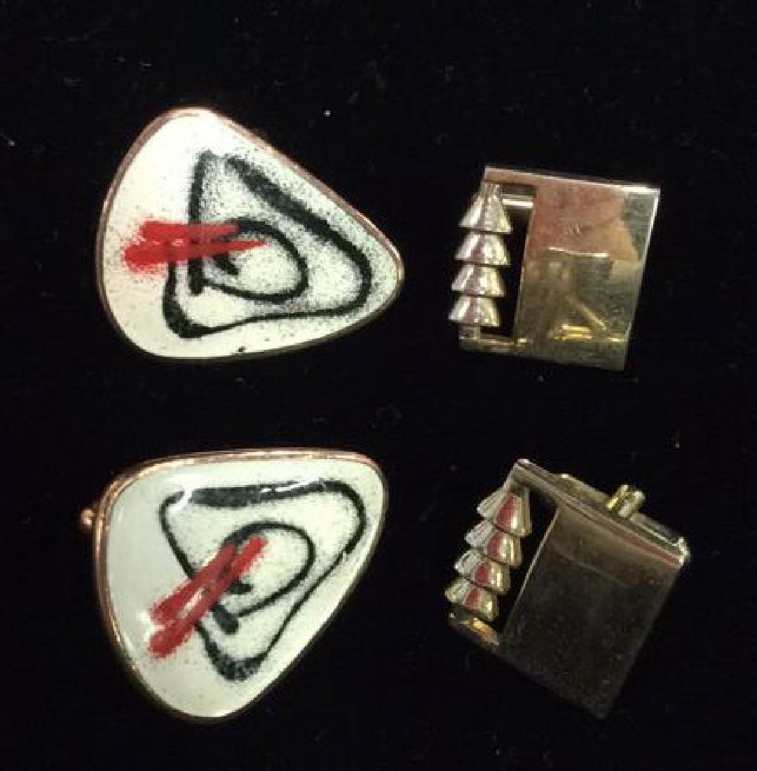 Lot 2 Pairs of Cufflinks Jewelry