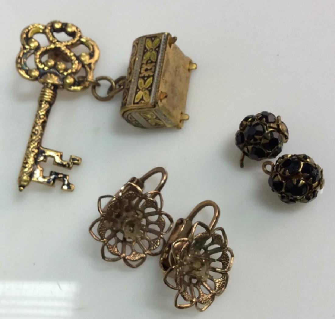 Lot 3 Vintage Gold Toned Metal Costume Jewelry