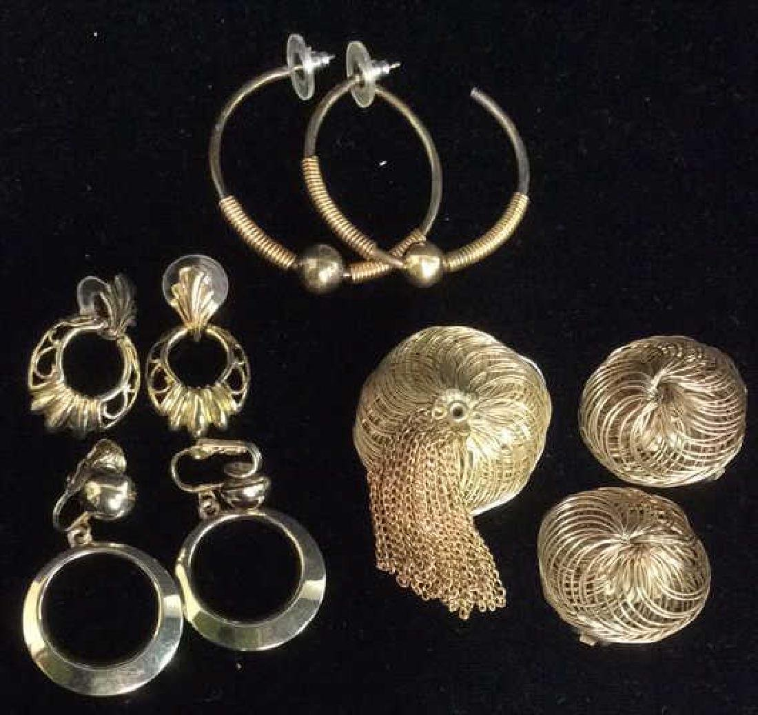 Lot 5 Gold Toned Costume Jewelry
