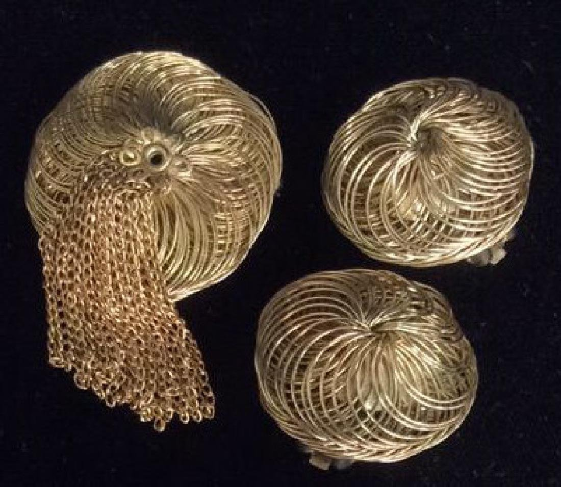 Lot 5 Gold Toned Costume Jewelry - 2