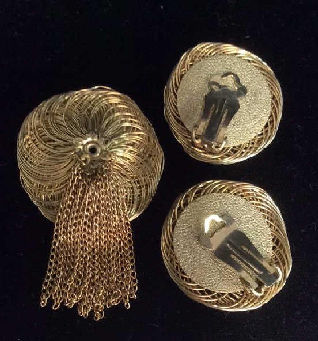 Lot 5 Gold Toned Costume Jewelry - 3