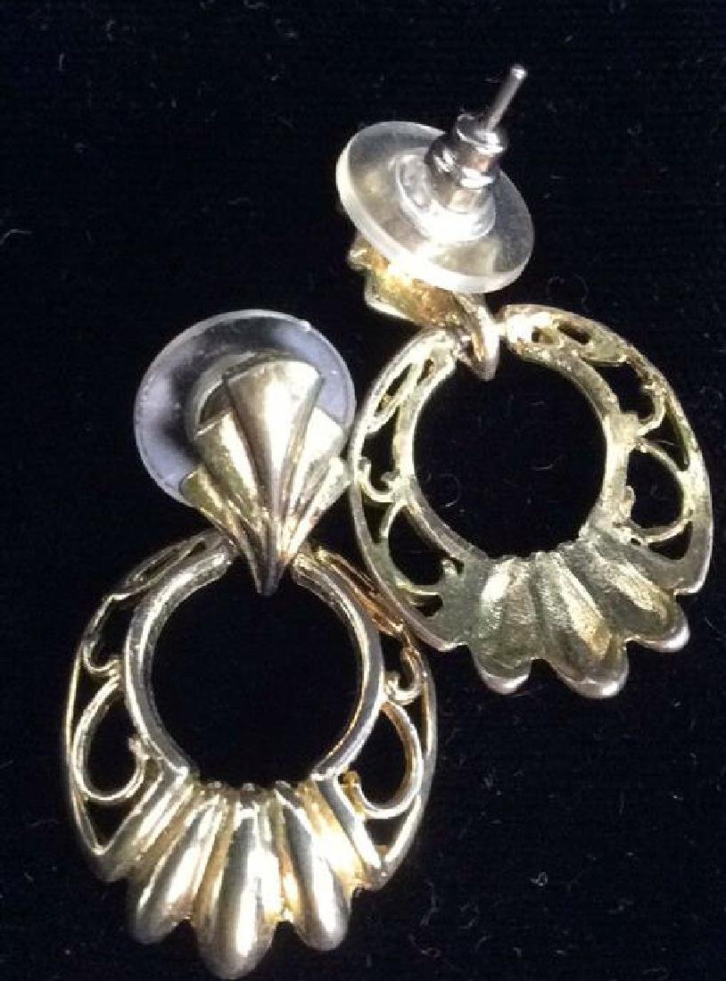 Lot 5 Gold Toned Costume Jewelry - 7