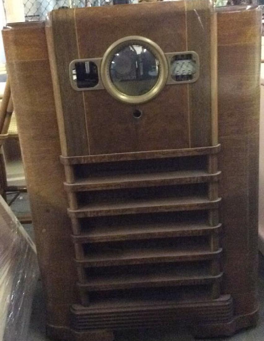 Art Deco Style Vintage Wooden Floor Radio