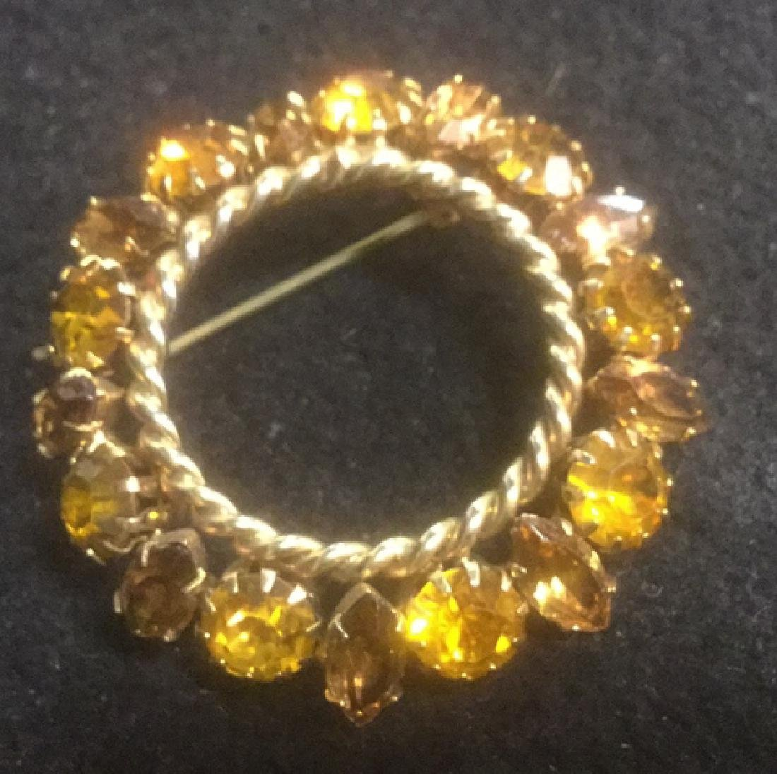 Group 10 Vintage Sparkley Costume Jewelry Brooches - 10