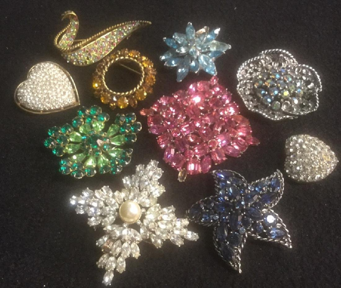 Group 10 Vintage Sparkley Costume Jewelry Brooches