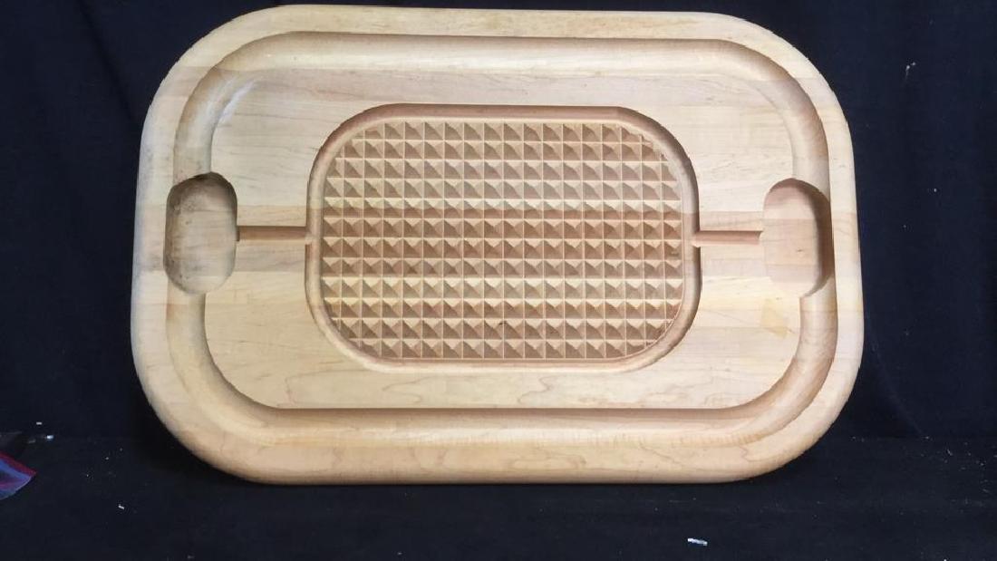 ANGUS Wood Textured Cutting Board