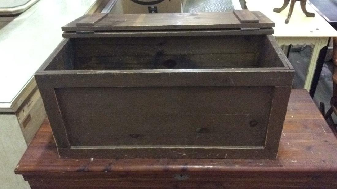 Antique Outdoor/Indoor Wood Chest w Rope Handles
