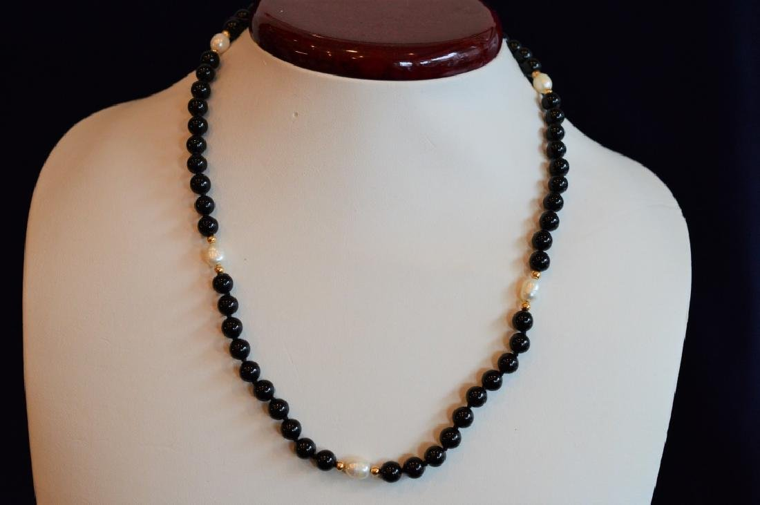 "18"" Black Onyx Necklace with Natural Pearls Accent"