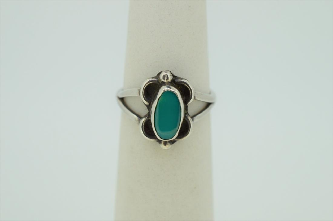 Sterling Silver & Turquoise Ring - Size 4 3/4