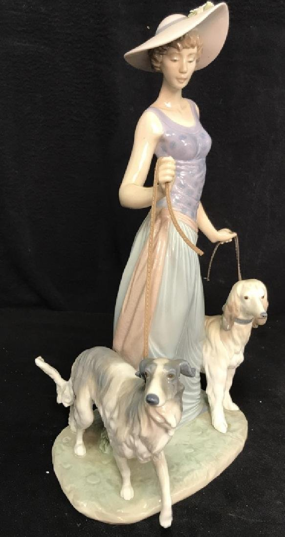 Porcelain LLADRO Lady With Dogs - 2