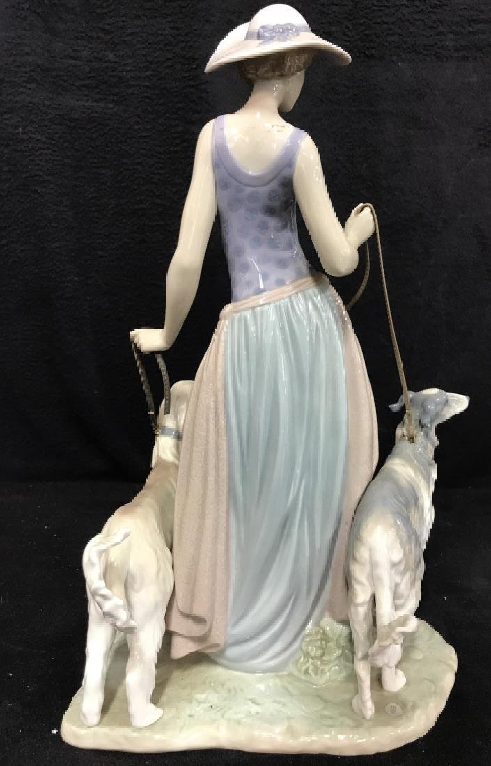 Porcelain LLADRO Lady With Dogs - 8