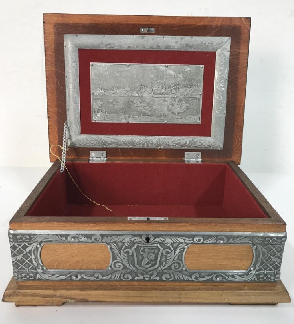 W STOSIO Oak & Silver Toned Decorated Poland Box - 2