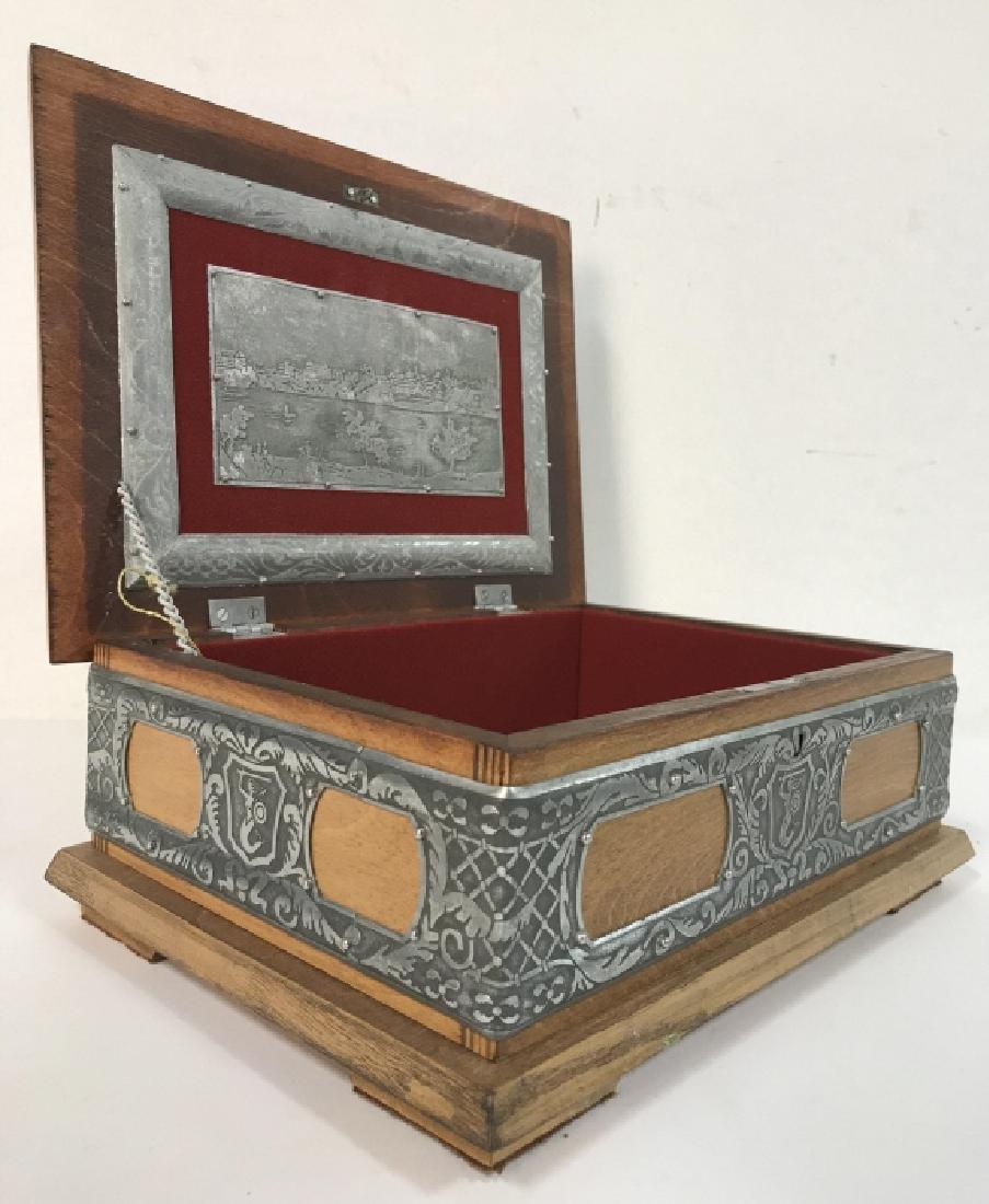 W STOSIO Oak & Silver Toned Decorated Poland Box - 4