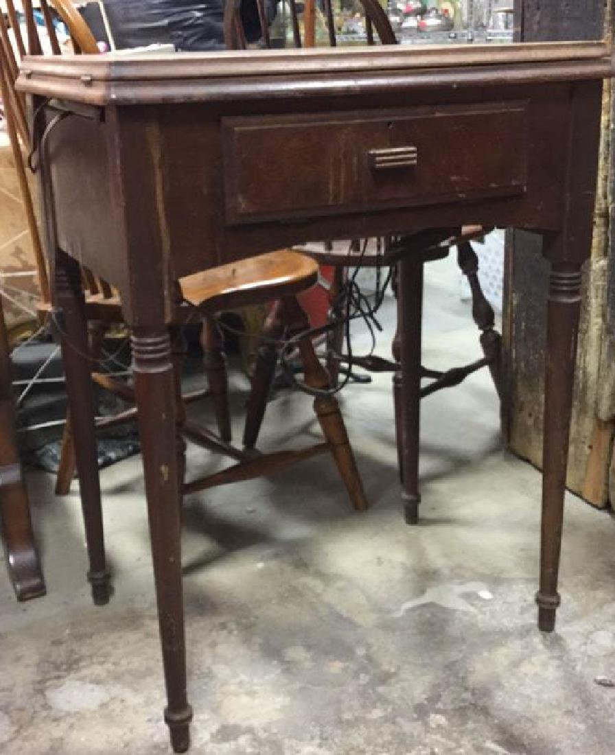 Antique SINGER  Iron  Sewing Machine and Table - 4