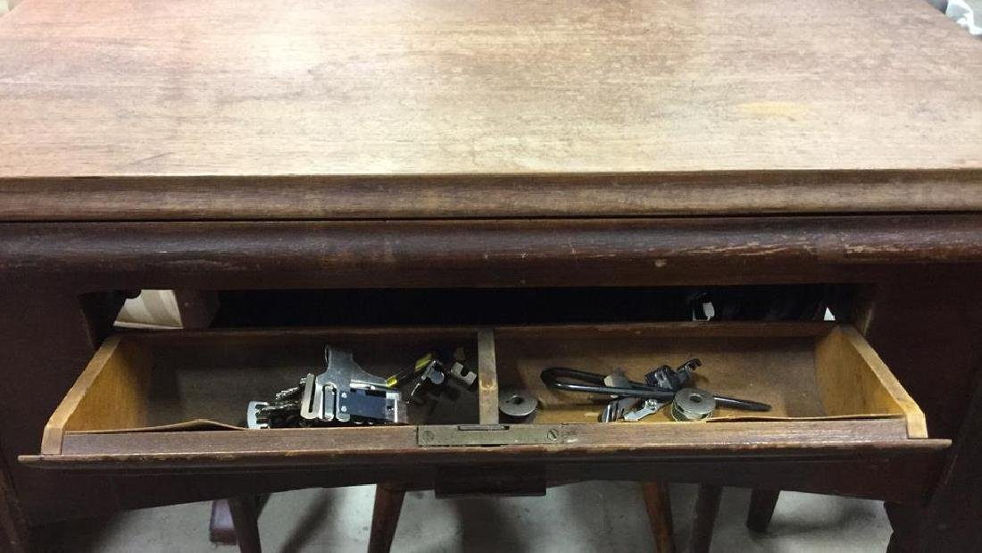 Antique SINGER  Iron  Sewing Machine and Table - 7