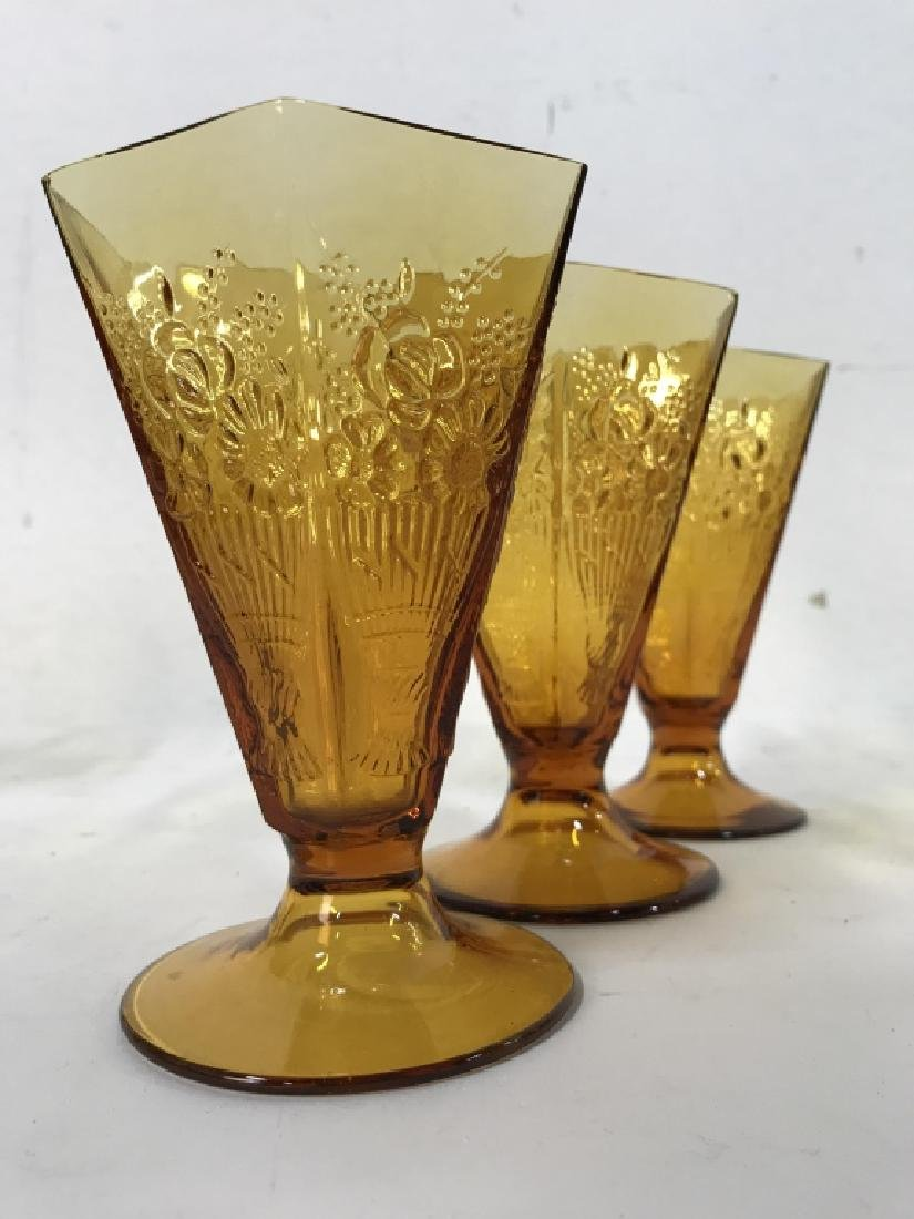 Lot 19 Amber Toned Glass Ice Cream Cups - 5