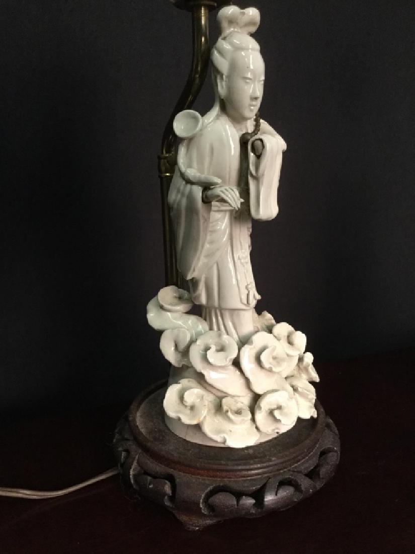Pair VIntage Asian Porcelain Lamps - 3