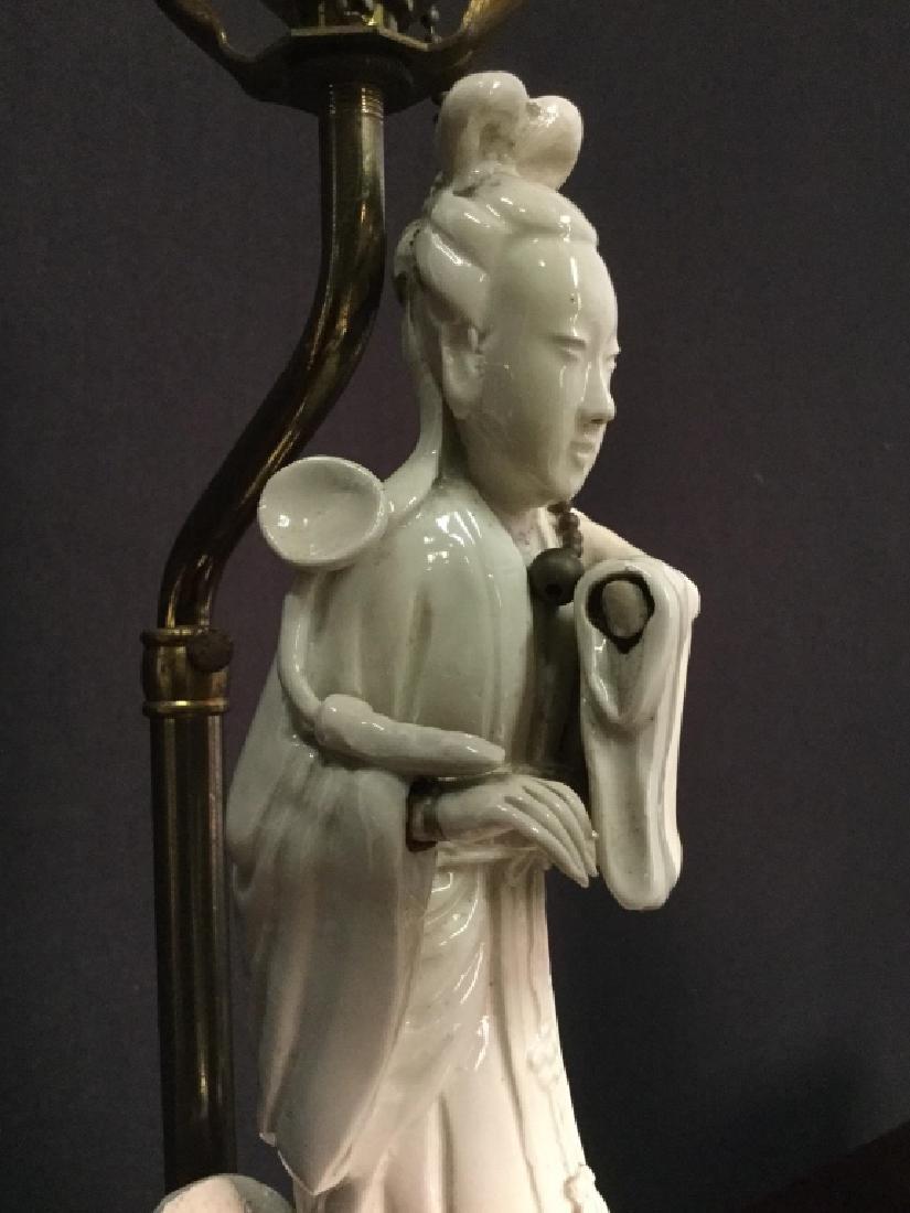 Pair VIntage Asian Porcelain Lamps - 4