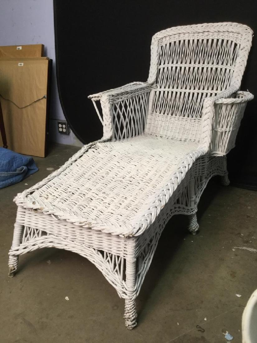 Vintage White Wicker Lounge Chair - 3