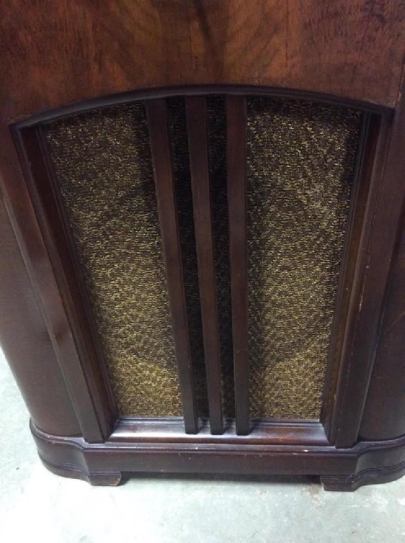 Poss Vintage Floor Sized ZENITH Radio - 6