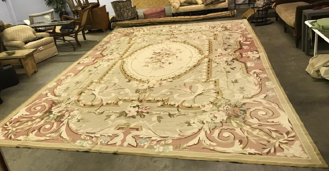 Room Sized Hand Woven French Aubusson Carpet. - 2