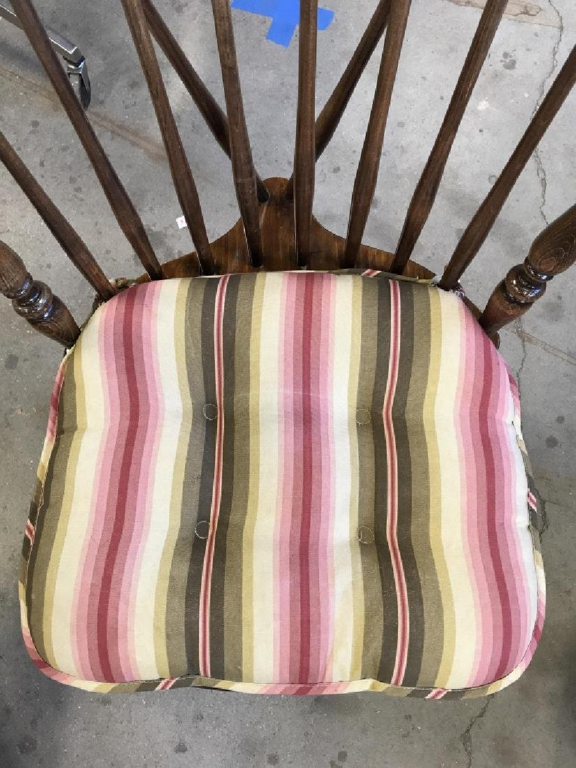 Lot 6 Windsor Style Spindle Back Chairs - 8