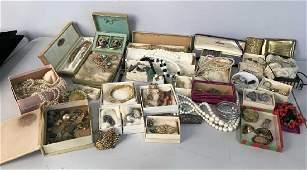 Group Lot Estate Vintage Costume Jewelry,
