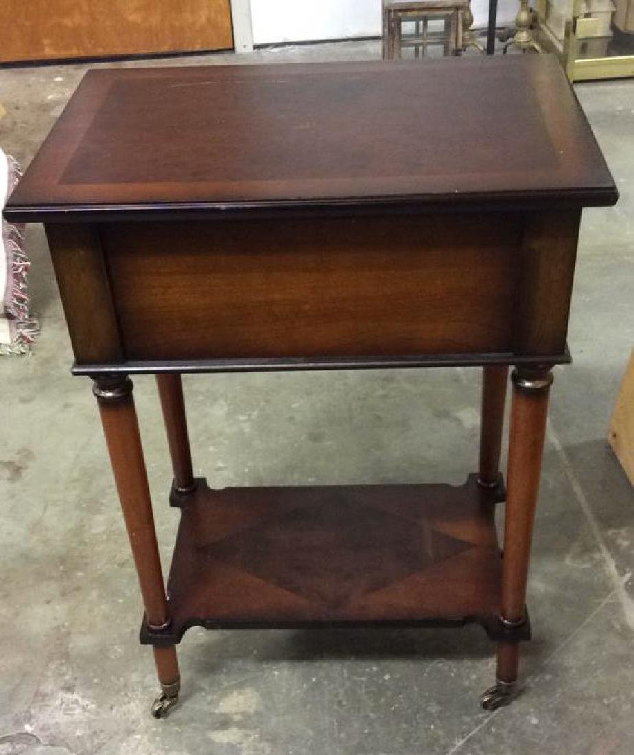 THE BOMBAY COMPANY Side Table On Casters - 6