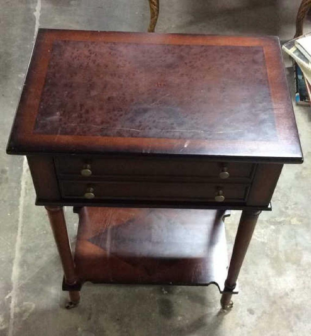 THE BOMBAY COMPANY Side Table On Casters - 7