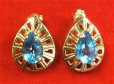 Pair 14k Gold Earrings w Blue Spinel