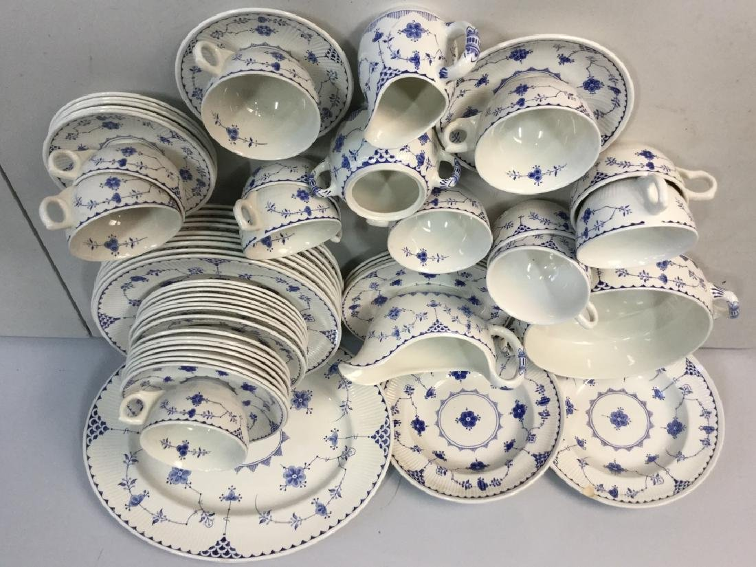 'Denmark' Patterned Partial Dinner Service - 3