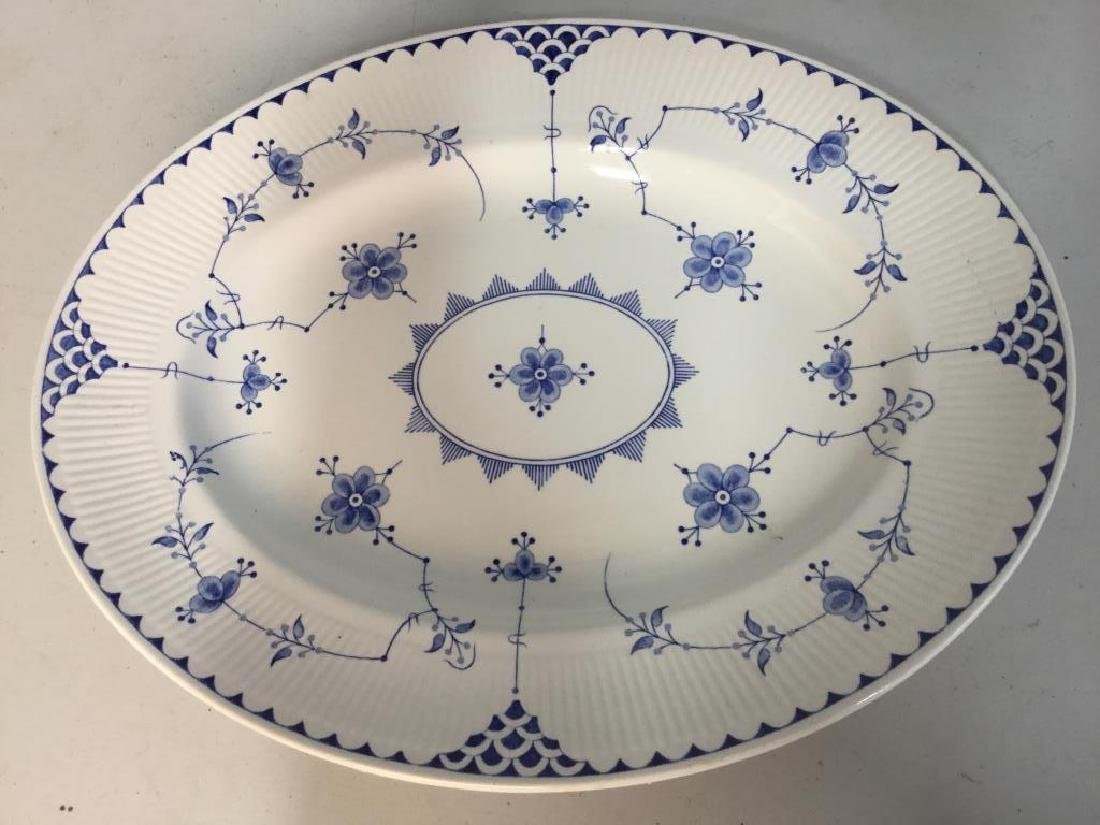 'Denmark' Patterned Partial Dinner Service - 4
