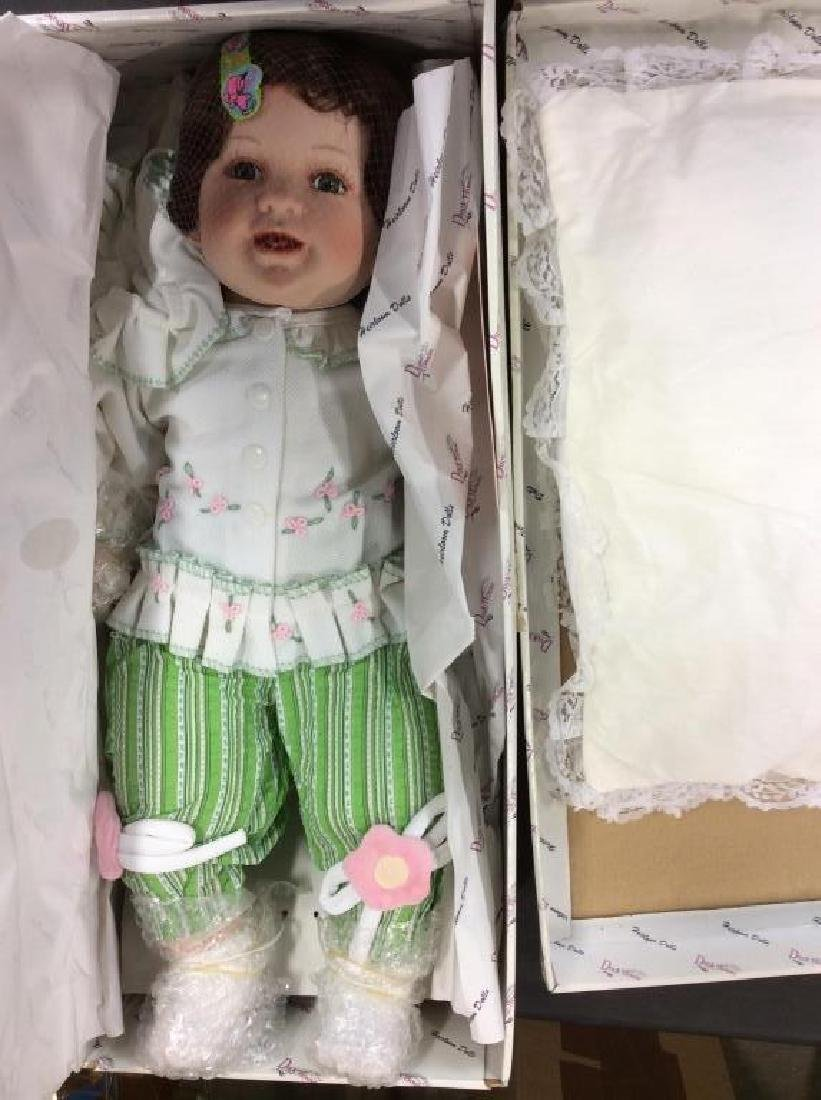 DUCK HOUSE Heirloom Doll 'Chelsi'