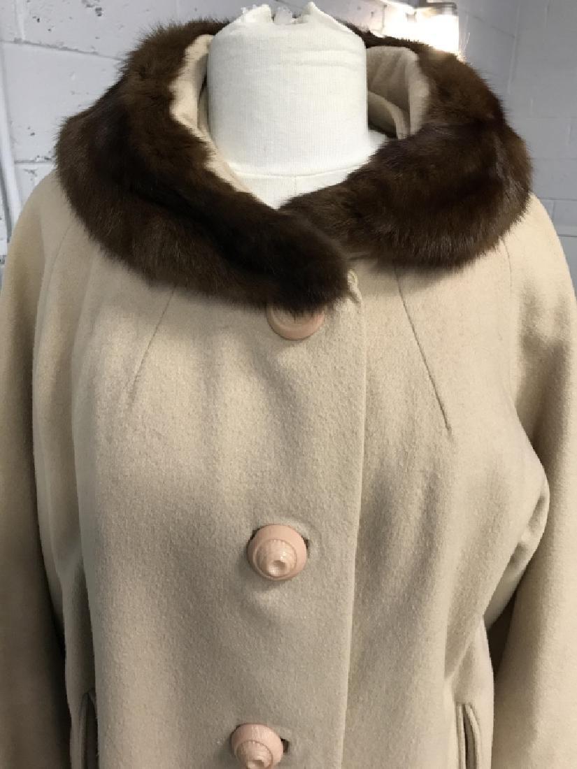 Vintage Ladies Wool Coat With Fur Collar