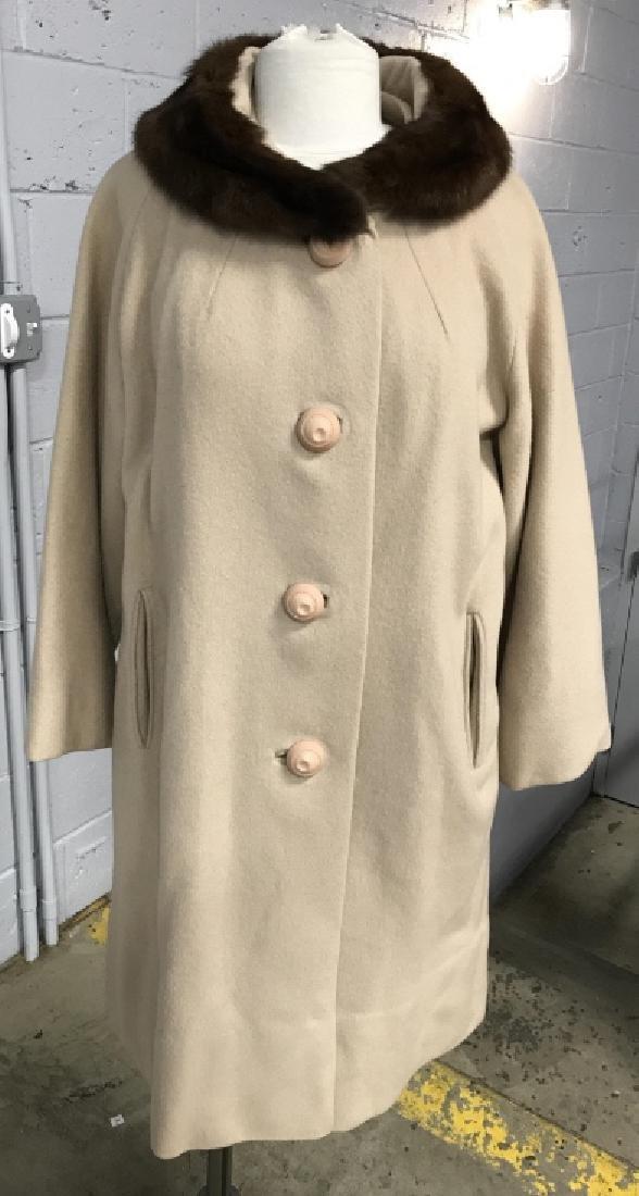 Vintage Ladies Wool Coat With Fur Collar - 2