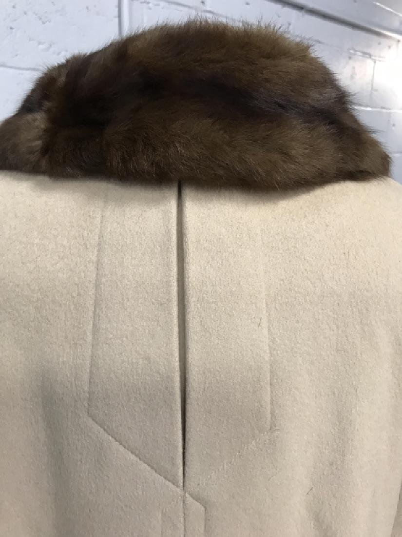 Vintage Ladies Wool Coat With Fur Collar - 5