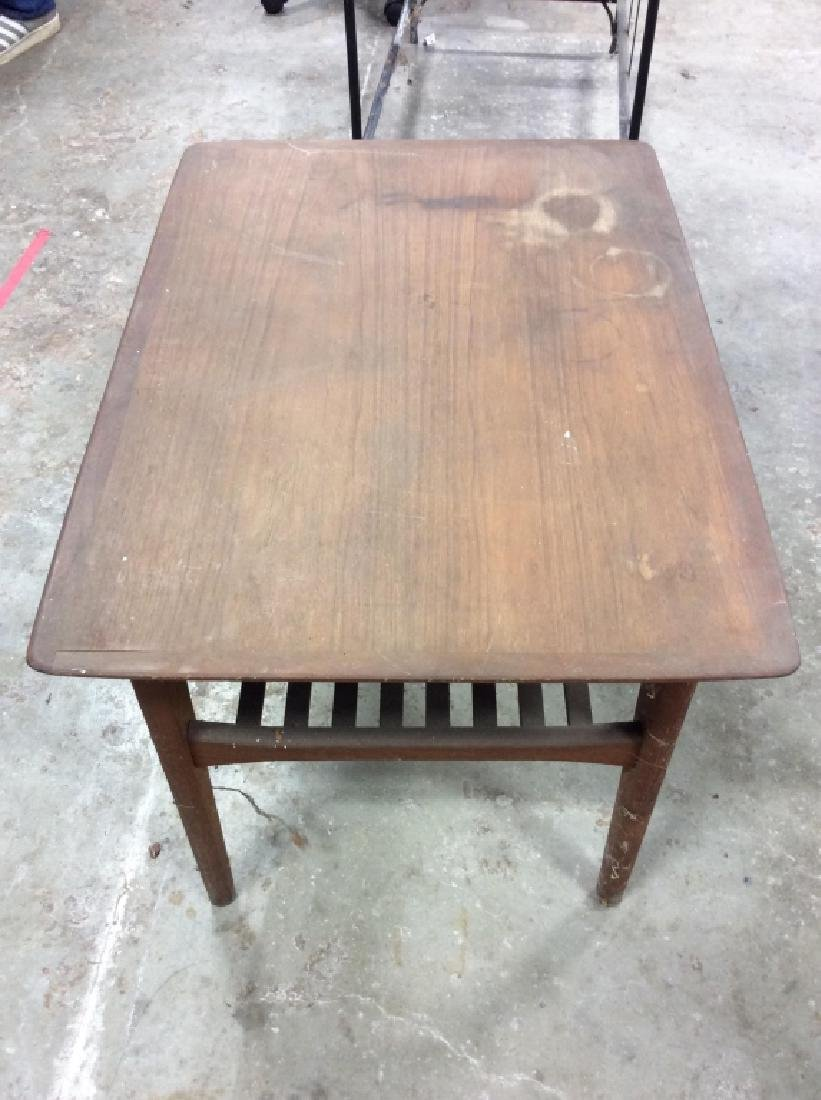 Small End Table w Tapered Legs