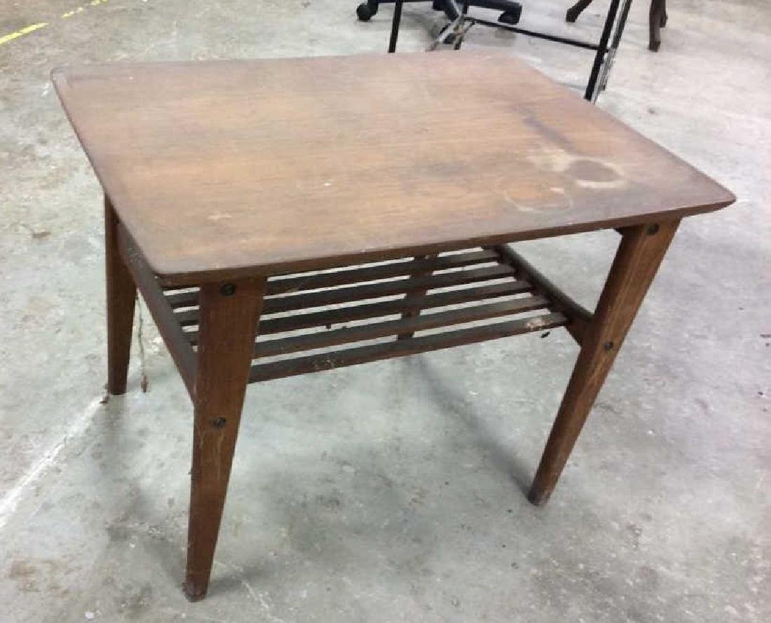Small End Table w Tapered Legs - 3