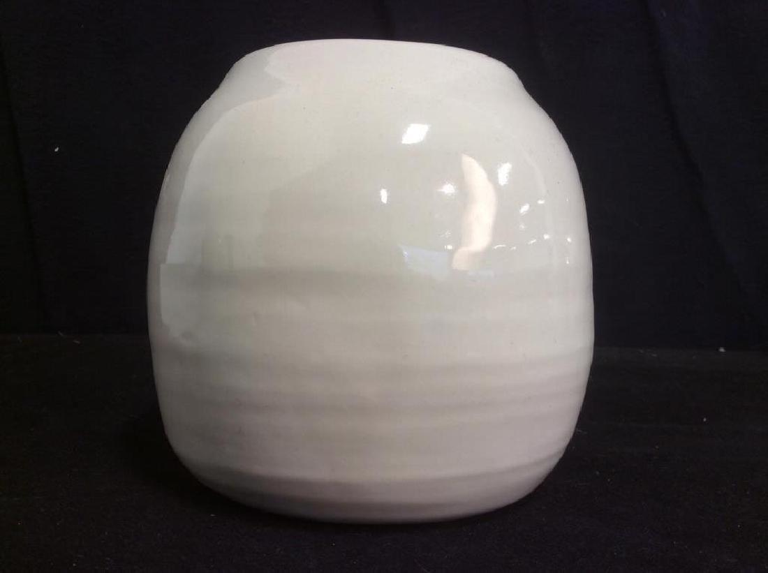 Pair of Cream Tone Ceramic Vases / Planters - 7